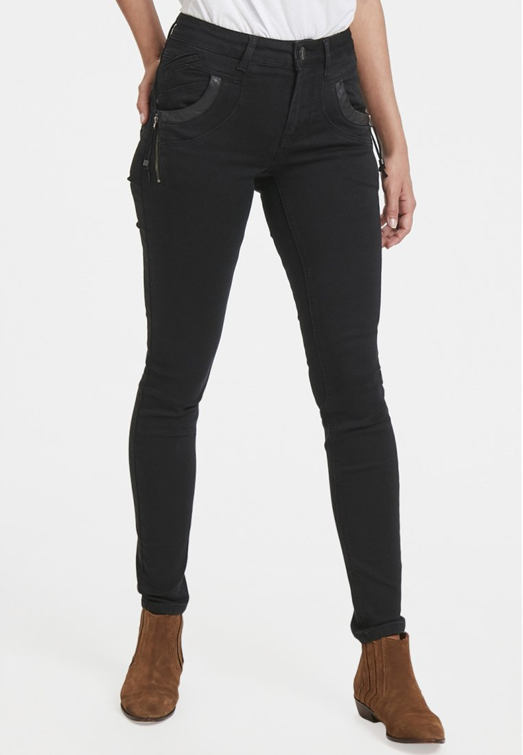 PULZ - CARMEN HIGHWAIST SKINNY - Jeans Skinny Fit - black denim