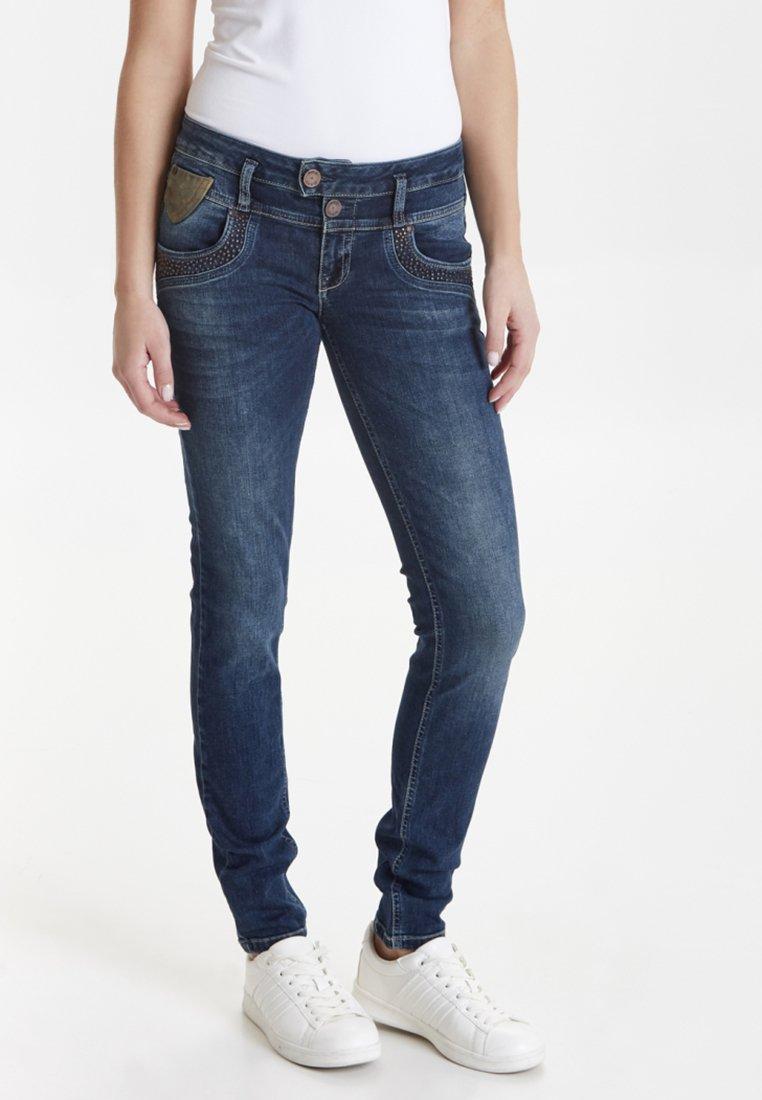 PULZ - ANETT - Jeans Slim Fit - dark blue denim