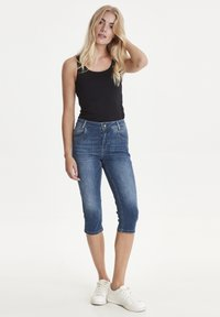 PULZ - PZCARMEN - Jeans Short / cowboy shorts - medium blue denim - 1