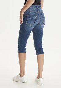 PULZ - PZCARMEN - Jeans Short / cowboy shorts - medium blue denim - 2