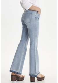 PULZ - PZEMMA  - Flared Jeans - light blue denim - 3