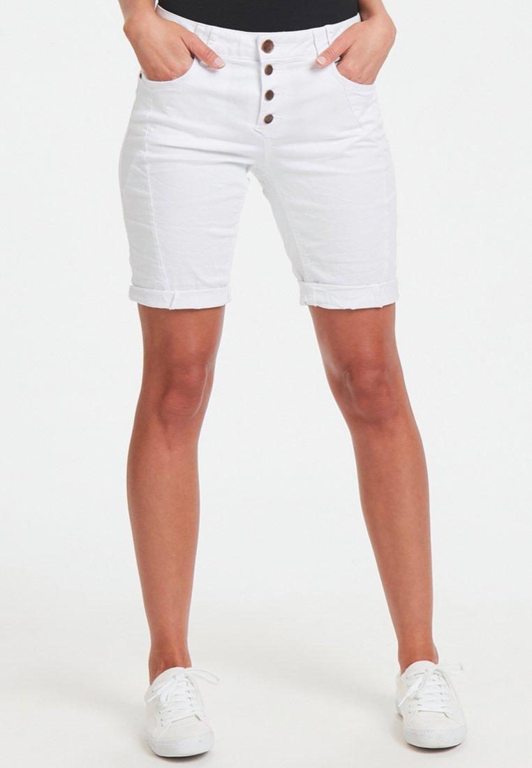 PULZ - ROSITA  - Shorts - white