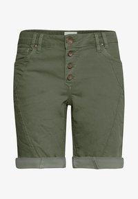 PULZ - PZROSITA - Jeans Short / cowboy shorts - beetle - 6
