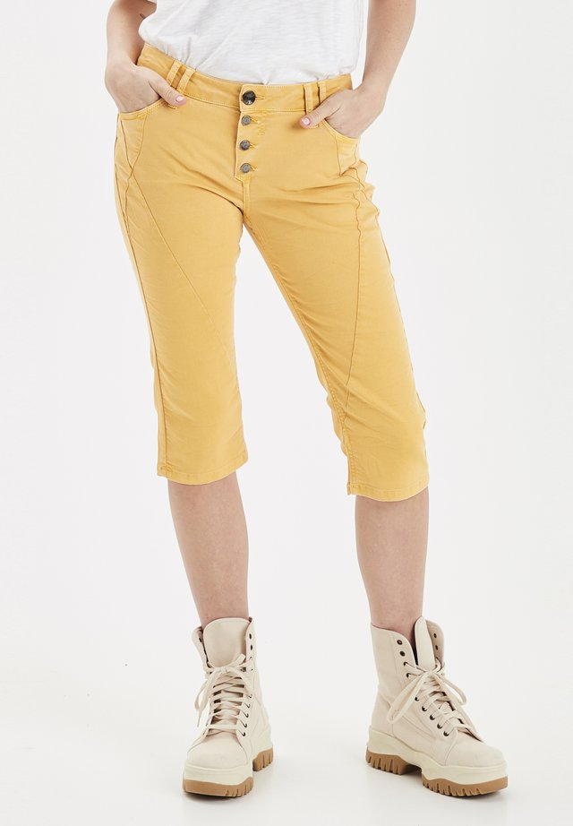 PZROSITA  - Jeans Short / cowboy shorts - dark yellow
