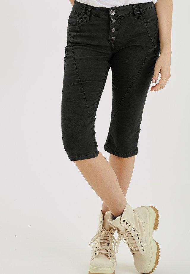 PZROSITA  - Jeans Short / cowboy shorts - black