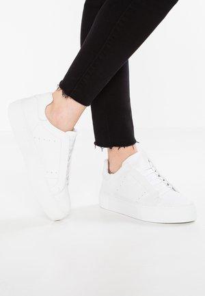 VIVI - Sneaker low - white