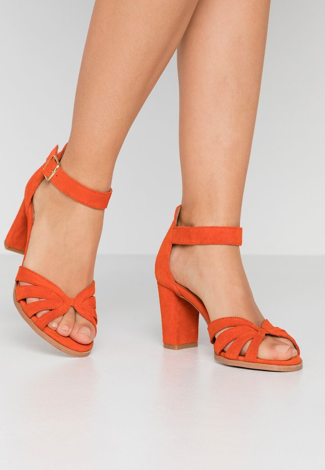 GILLIAN - Sandals - orange