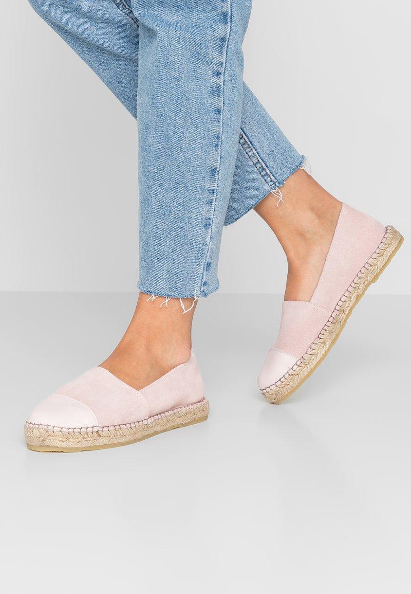 Pavement - NANNA - Loafers - rose