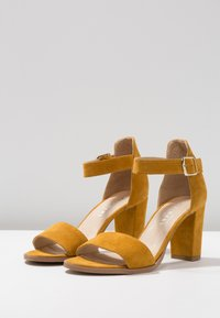 Pavement - SILKE - Riemensandalette - yellow - 4