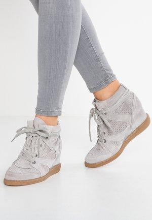 VIBE - Korkeavartiset tennarit - grey
