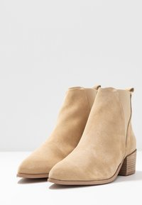 Pavement - KAREN - Ankle boots - beige - 4