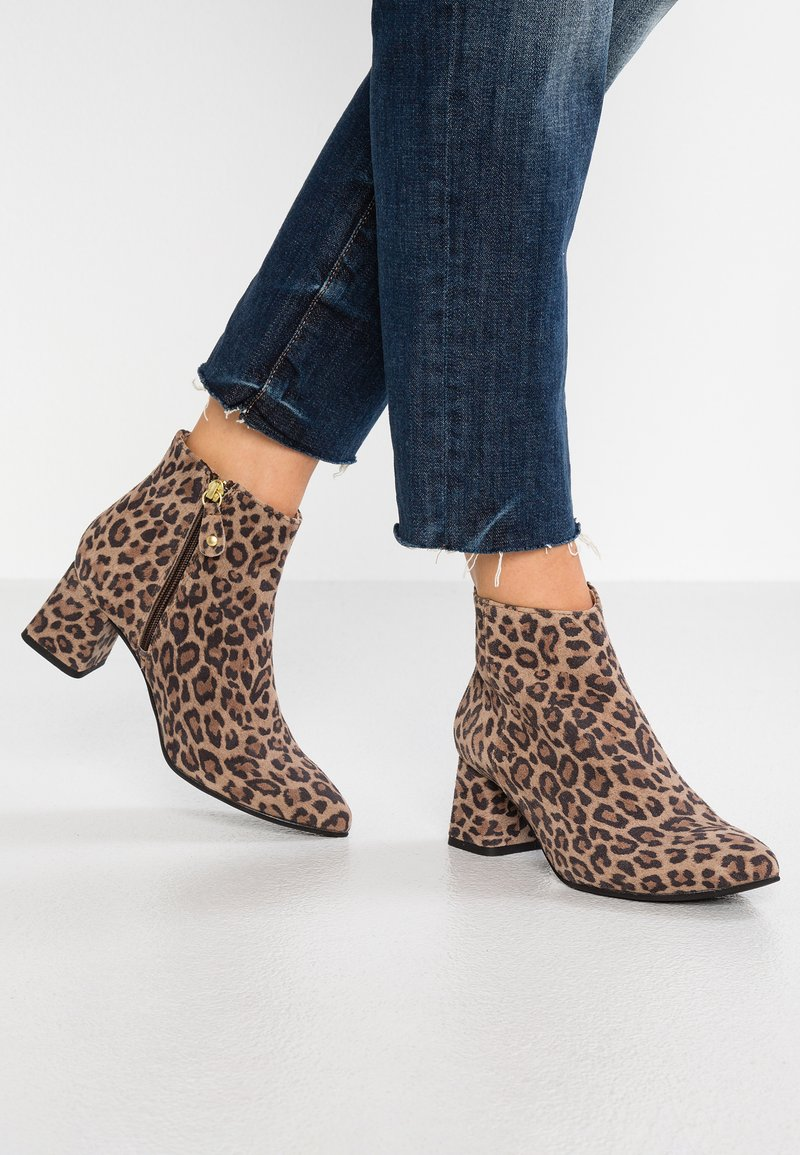 Pavement - KATY - Ankle boots - brown