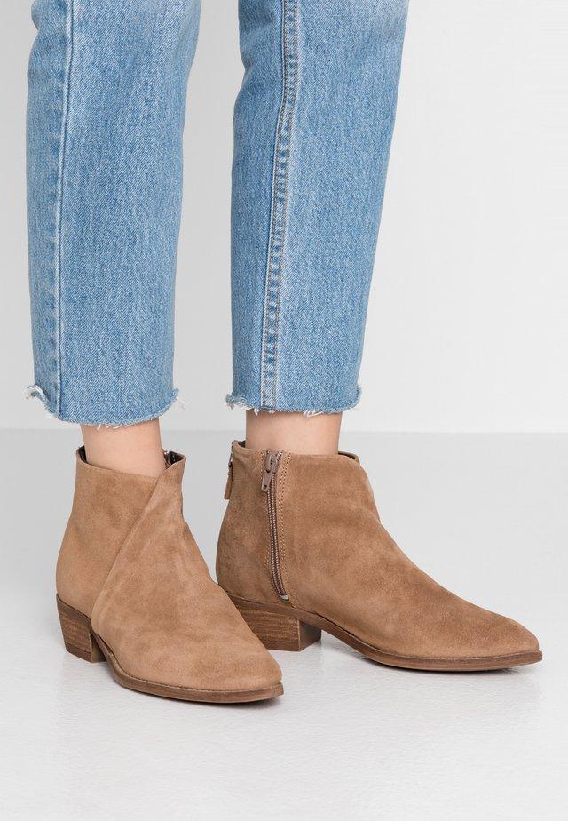SARA - Korte laarzen - mole