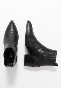 Pavement - SAGE - Kotníkové boty - black - 3