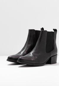 Pavement - PARKER - Classic ankle boots - black - 4