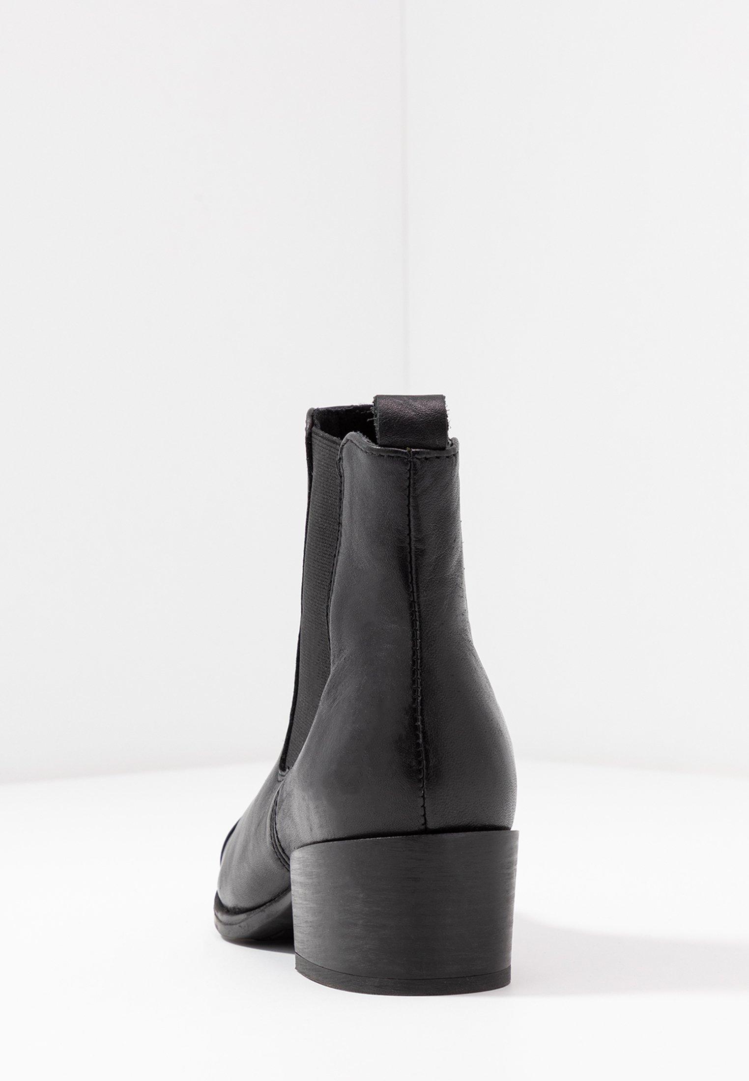 PARKER Støvletter black