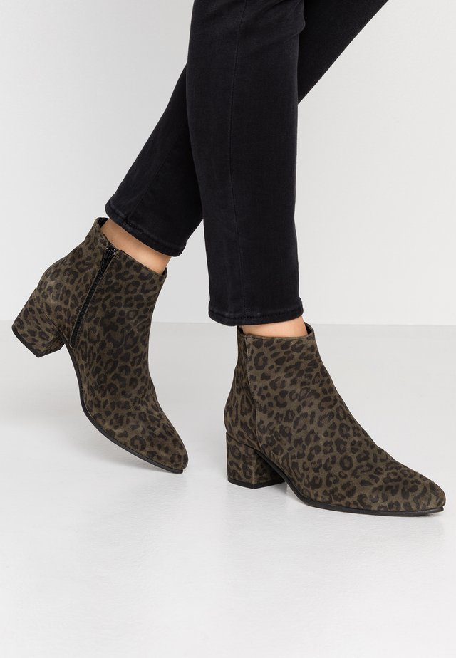 MILLIE - Ankle boot - green