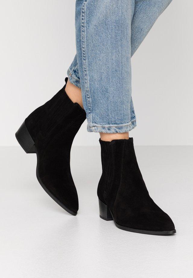 SAGE  - Korte laarzen - black