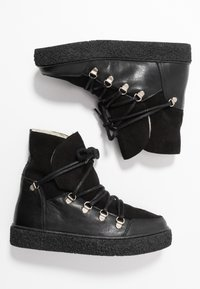 Pavement - LOLA - Platform ankle boots - black - 3
