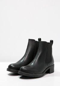 Pavement - CHRISTINA  - Classic ankle boots - black - 3