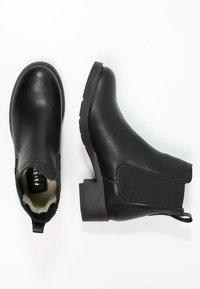 Pavement - CHRISTINA  - Classic ankle boots - black - 2