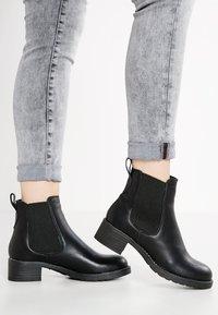 Pavement - CHRISTINA  - Classic ankle boots - black - 0
