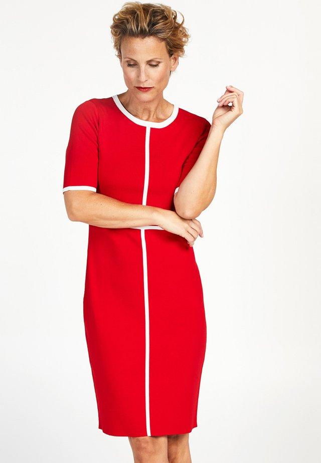 DANISE  - Etui-jurk - red
