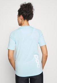 POC - ESSENTIAL TEE - T-Shirt print - light kalkopyrit blue - 2