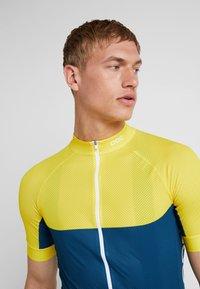 POC - ESSENTIAL ROAD LIGHT  - T-Shirt print - sulphite yellow/draconis blue - 3