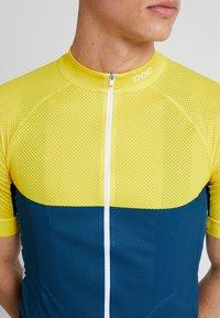 POC - ESSENTIAL ROAD LIGHT  - T-Shirt print - sulphite yellow/draconis blue - 6