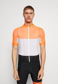 POC - ESSENTIAL ROAD LIGHT  - T-Shirt print - granite grey/zink orange - 0