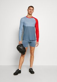 POC - PURE - Langarmshirt - calcite blue/prismane red - 1