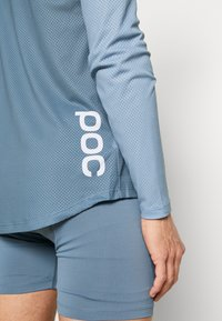 POC - PURE - Langarmshirt - calcite blue/prismane red - 5