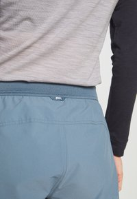 POC - ESSENTIAL ENDURO SHORTS - kurze Sporthose - calcite blue - 5