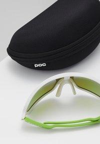 POC - DO BLADE - Sportbrille - hydrogen white/cannon green - 2