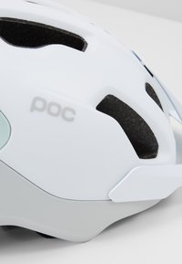 POC - AXION SPIN - Helm - hydrogen white/apophyllite green matt - 2