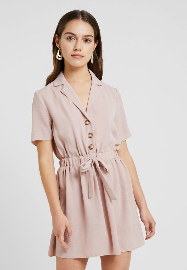 TIE WAIST DRESS - Abito a camicia - blush