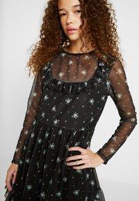 Miss Selfridge Petite - PRINTED FRILL DRESS - Day dress - multi - 5