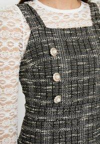 Miss Selfridge Petite - PINNY DRESS - Stickad klänning - mono - 6