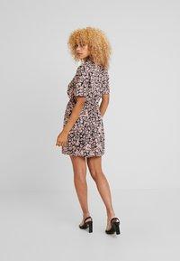 Miss Selfridge Petite - PRINTED RESS - Shirt dress - pink - 3