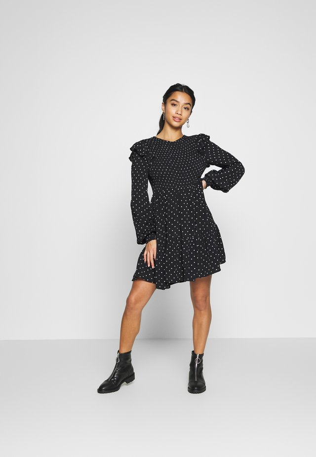 SHIRRED SPOT TEA DRESS - Sukienka letnia - black