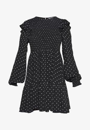SHIRRED SPOT TEA DRESS - Kjole - black