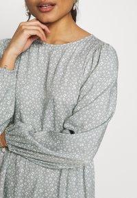 Miss Selfridge Petite - DITSY SAGE SMOCK DRESS - Day dress - sage - 5