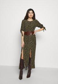 Miss Selfridge Petite - PRINT MIDAXIDRESS - Maxi šaty - black - 1