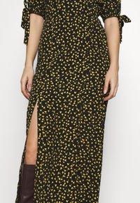 Miss Selfridge Petite - PRINT MIDAXIDRESS - Maxi šaty - black - 4
