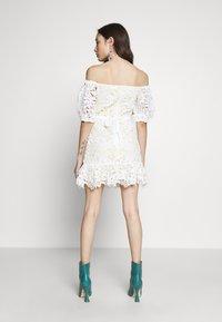 Miss Selfridge Petite - LACE BARDOT MINI DRESS - Cocktail dress / Party dress - lemon - 2