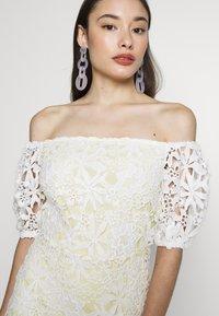 Miss Selfridge Petite - LACE BARDOT MINI DRESS - Cocktail dress / Party dress - lemon - 3