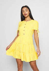 Miss Selfridge Petite - TIERRED DRESS - Shirt dress - yellow - 0