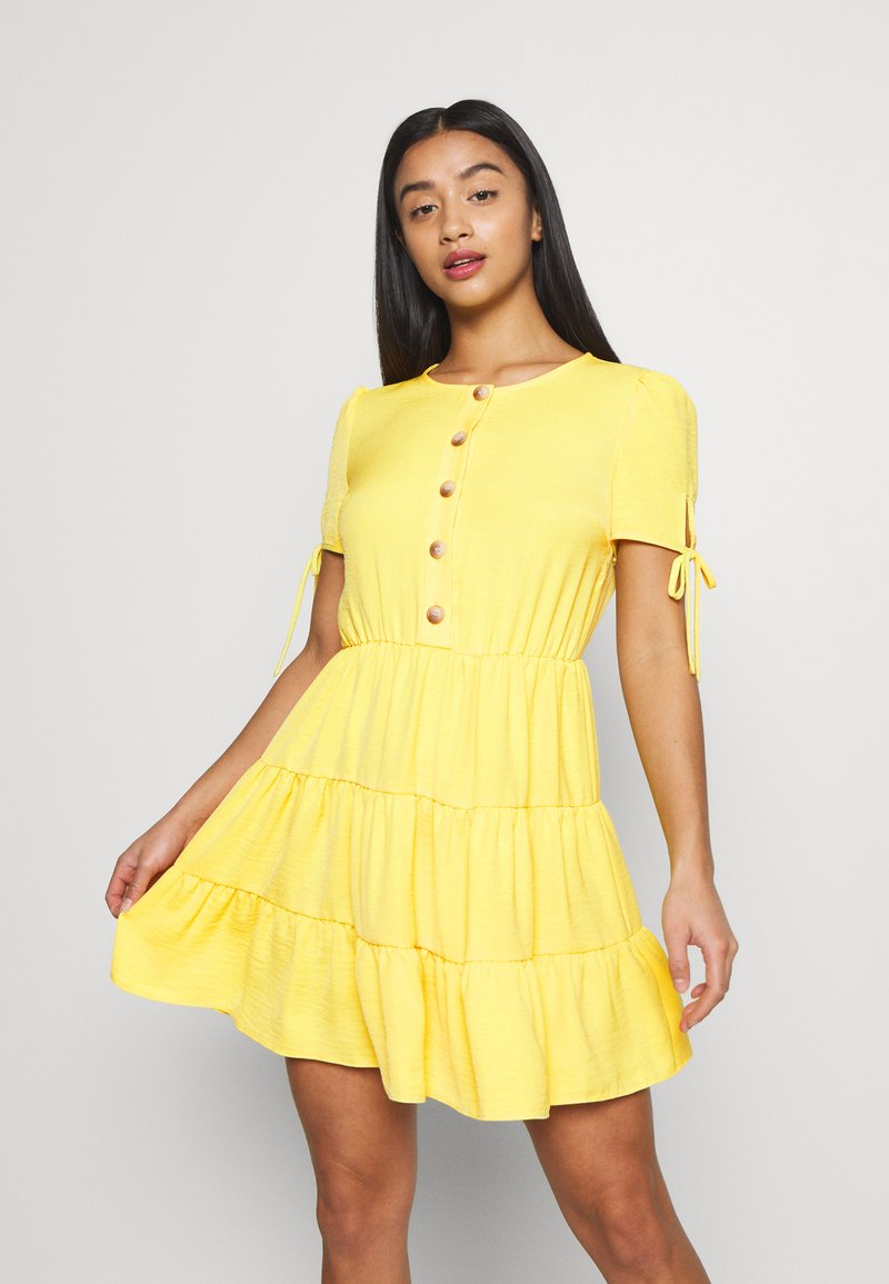 Miss Selfridge Petite - TIERRED DRESS - Shirt dress - yellow