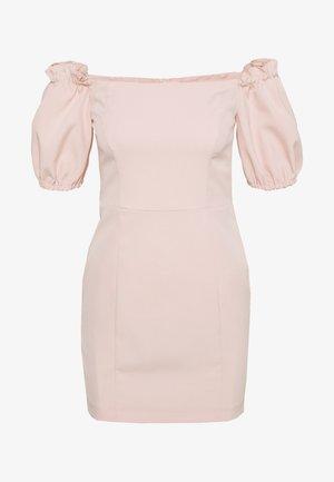 BARDOT STRUCTURED DRESS - Denní šaty - blush